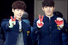 It's not unusual for top actors and actresses of the same generation to breach their onscreen rivalry for the same roles to a offscreen real friendship. A few come to mind that includes Lee Jong Seok and Kim Woo Bin, … Continue reading → Lee Jong Suk Ig, Doctor Stranger, School 2013, Kim Woo Bin, Acting Career, Korean Actors, Short Film, Actors & Actresses, Kdrama