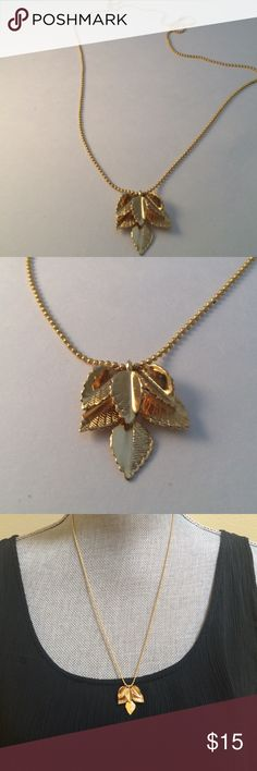 Gold leaves necklace Good leaves necklace , new , bundle to save for shipping Jewerly Jewelry Necklaces