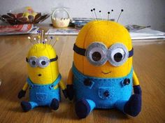 Here is the PDF pattern for the mini minion! I posted the pattern for the big one a while ago, but I quite like the smaller one so here it is. The big minion is based on this smaller one and the steps. Sewing Patterns Free, Free Sewing, Free Pattern, Sewing Hacks, Sewing Crafts, Minion Pattern, Craft Projects, Sewing Projects, Sewing Studio