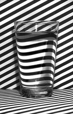 Black & White Photography Inspiration Picture Description black and white stripes Op Art, Abstract Photography, Creative Photography, Pattern Photography, Illusion Photography, Photography Lighting, Photography Ideas, Distortion Photography, Contrast Photography