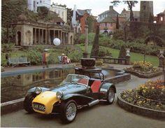 Caterham Lotus Super Seven, at Portmeirion, location of 'The Prisoner' Sport Cars, Race Cars, Motor Sport, Motor Car, Classic Tv, Classic Cars, Vintage Cars, Antique Cars, Vintage Porsche