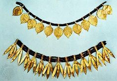 Jewelry taken from Queen Puabi's tomb at Ur in ancient Sumeria, 3rd millennium BC. The various pieces could be arranged in several different ways, as necklace or crown