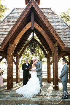 Classic Oak ranch, wedding and reception, outdoor, country, outside photo ideas  http://www.lightlyphoto.com