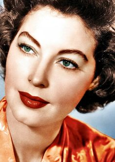 Ava Gardner: The truth is that the only time I'm happy is when I'm doing absolutely nothing. I don't understand people who like to work and talk about it like it was some sort of goddamn duty. Hollywood Glamour, Hollywood Actresses, Classic Hollywood, Old Hollywood, Hollywood Divas, Ava Gardner, Vintage Glamour, Vintage Beauty, Tv Movie