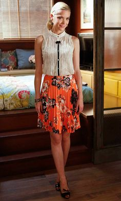 Hart of Dixie's Fashion Credits Season 2, Episode 4 This CO-OP Barneys New York pleated skirt really brightens up this look! She complemented the floral look with a Corey Lynn Calter blouse, a J. Crew bracelet, and Donald J. Pliner shoes.