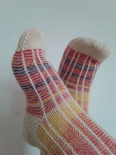 CANDYLICIOUS SOCKS Um modelo delicioso para se tricotar!!! Modelo Gratuito - clique na imagem
