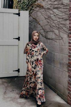 Golden Hour - Dress – Niswa Fashion Kebaya Dress, Frock Dress, Abaya Fashion, Fashion Wear, Fashion Outfits, Dress Fashion, Islamic Fashion, Muslim Fashion, Hijab Style Dress