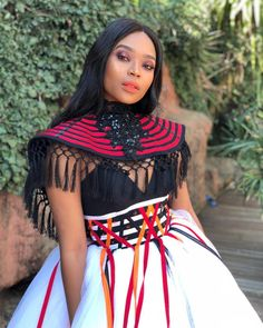 A great idea for a African traditional dress - Traditional Ideen South African Dresses, South African Traditional Dresses, African Print Dresses, Traditional Outfits, African Prints, Tsonga Traditional Dresses, African Inspired Fashion, Latest African Fashion Dresses, African Men Fashion