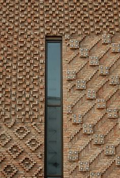 architecture - Reclaimed Brick Tile Patterns from Ordinary to Extraordinary Brick tile patterns for our genuine reclaimed thin brick tiles, sliced from antique bricks – ar Brick Art, Brick Tiles, Brick Facade, Detail Architecture, Brick Architecture, Architectural Pattern, Brick Detail, Brick Texture, Veneer Texture