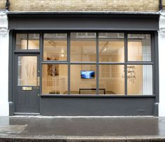 NETTIE HORN has moved to new premises in Fitzrovia
