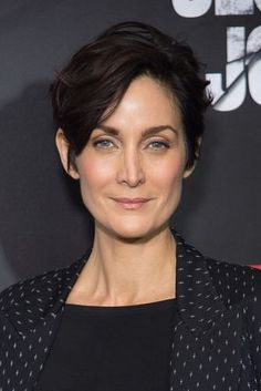 Jessica Jones, Beautiful Celebrities, Beautiful Actresses, Punky Hair, Carrie Anne Moss, Matrix Hair, Canadian Actresses, Celebrity Portraits, Pretty People