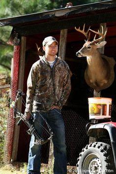 gotta love a man in camo :-) Cute Country Boys, Country Men, Country Music, Country Life, Redneck Romeo, All American Boy, Grunge Guys, Farm Boys, Boys Life