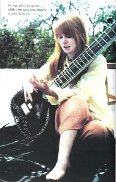 The  15th August is India's Independence Day, and to celebrate it, I've posted pictures of Jane in India and wearing sari.      The Beatles...