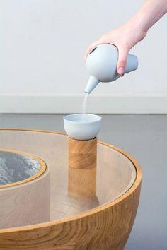 Pforzheim University graduate Roxanne Flick has created a porcelain tea set that resembles the long necks and bodies of flamingoes