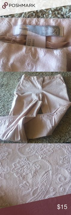 Pants Pink colored paisley pants adorable! Worn maybe twice .. Love 21 brand Forever 21 Pants Skinny