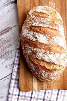 Jeśli tak jak ja zazwyczaj nie macie czasu na pieczenie domowego chleba, wypróbujcie przepis na chleb bez zagniatania. Udaje się on n... Kitchen Recipes, Cooking Recipes, Good Food, Yummy Food, Fish Dishes, Bread Baking, Food Inspiration, The Best, Food To Make