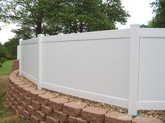 Fence On Top Of Retaining Wall