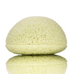 KONGY Konjac Facial Sponge Green Clay  Facial Cleaning - Combination Skin.DeKONGYKonjac Facial Spongeis gemaakt van het natuurlijke materiaal Konjac (In Japan bekend as Konnyuka). Konjac is een natuurlijke plant en wordt op grote schaal gebruikt als een medisch en eetbaar product. Konjac is een populaire en gezonde groente in Korea en Japan. Konjac sponzen zijn heel erg zacht. Ze zijn zachter dan gezichtsscrubs en zijn hierdoor ideaal voor het dagelijksverwijderen van dode huidcellen op…