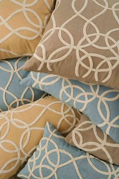 Lili Alessandra Whimisical Linen w/ Ivory Rope Dec Pillows