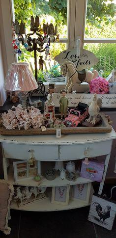 Consignment Store Displays, Nars, Shabby Chic, Kleding, Shabby Chic Decorating