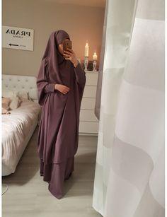 Ohhhhhh Jilbab- Mashallah this is beautiful! Mode Niqab, Hijab Mode, Abaya Mode, Hijab Outfit, Hijab Dress, Islamic Fashion, Muslim Fashion, Modest Fashion, Modest Wear