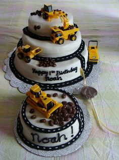 Cakes by Christine: Construction Cake. My son would love this! Bulldozer Cake, Royal Icing Cookies, Cake Cookies, Cupcake Cakes, Fondant Cakes, Digger Cake, Digger Party, Construction Birthday Parties, Cake