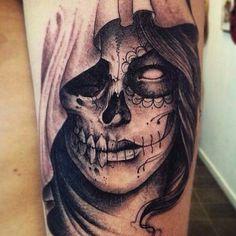 Skull catrina - Skull catrina You are in the right place about Skull catrina Tattoo Design - La Muerte Tattoo, Catrina Tattoo, Chicano Tattoos, Body Art Tattoos, Sleeve Tattoos, Bild Tattoos, Neue Tattoos, Little Tattoos, Tattoos For Guys