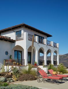 Dunn Edwards Provides Free In Color Consultations Paints Spanish Mediterranean Homes