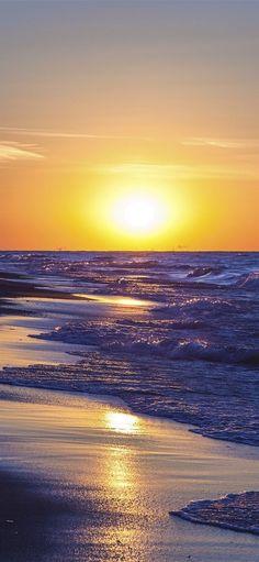 Beautiful Sunset, Beautiful World, Beautiful Places, Lake Michigan, Sharp Photo, Nature Photography Tips, Sunset Wallpaper, Waves Wallpaper, Iphone Wallpaper