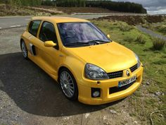 Cool Renault Clio V6
