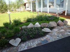 _kukkapenkki Garden Cottage, Backyard, Patio, Stepping Stones, Outdoor Gardens, Terrace, Sidewalk, Outdoor Decor, Flowers