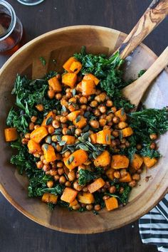 Spicy Kale and Chipotle Chickpea and Roasted Butternut Squash Salad | #Vegan #Heathy #Salad