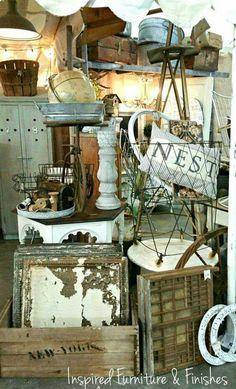 Vintage Booth Display, Vintage Store Displays, Flea Market Displays, Antique Booth Displays, Antique Mall Booth, Antique Booth Ideas, Flea Market Booth, Flea Market Style, Antique Stores