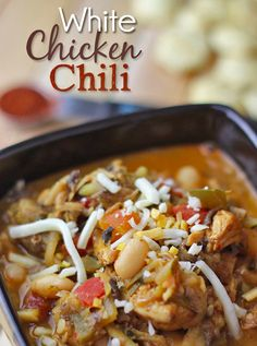 This is a fantastic, homemade White Chicken Chili recipe. Its a delicious clean eating recipe that is sure to impress! Enjoy this White Chili Chicken recipe Chili Recipes, Soup Recipes, Chicken Recipes, Cooking Recipes, Dinner Recipes, Healthy Recipes, Recipe Chicken, What's Cooking, Dining