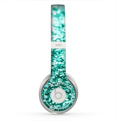The Tiffany Green Glimmer Skin for the Beats by Dre Solo 2 Headphones