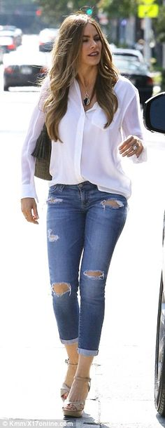 Sofia Vergara shows off fantastic legs in skin-tight and ripped trousers | Daily Mail Online