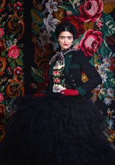 Awesome Frida Kahlo inspired fashion. I want to wear all the outfits in this photoshoot.