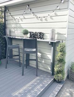 Aunt S! Fr @ loves this📌🌟A bar is perfect for a small meal .- 🌟Tante S! Fr @ loves this📌🌟Eine Bar ist ideal für eine kleine Mahlzeit… Aunt S! Fr @ loves this📌🌟A bar is perfect … - Back Patio, Small Patio, Backyard Bar, Small Backyard Pools, Small Garden Design, Small Garden Bar Ideas, Small Garden Veranda, Small Garden Table, Diy Garden Bar