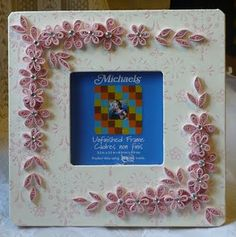 Let's create: Pink Quill Flowers Altered Wooden Frame Arte Quilling, Quilling Paper Craft, Quilling Flowers, Quilling Patterns, Quilling Designs, Quilling Ideas, Paper Flowers Craft, Flower Crafts, Quilling Photo Frames