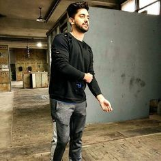 3 weeks have passed by I am sure is giving you enough goosebumps and keeping you hooked onto your screens See you next… Cute Poses For Pictures, Photo Poses For Boy, Boy Poses, Actors Images, Tv Actors, Actors & Actresses, Boy Images, Zain Imam Instagram, Trending Photos