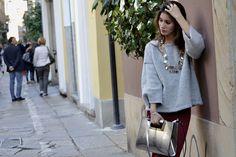 Streetstyle, fashion, bordo, plum, fashion, grey, girl, jewelry, silver, handbag, street