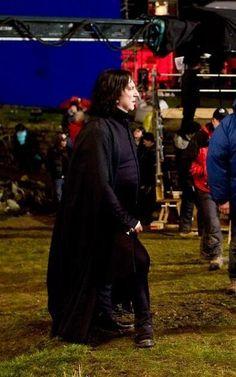 Alan Rickman a Professor Severus Snape ... ... between scenes, possibly of DH-part 2