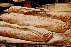 שטרודל תפוחים וינאי עם רוטב וניל Ricotta, Relleno, I Love Food, Queso, Food Inspiration, Nom Nom, Food And Drink, Bread, Vegan