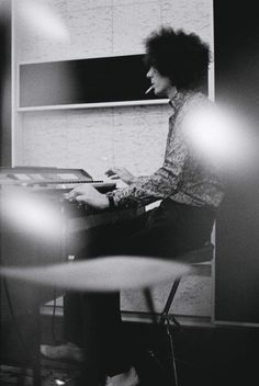 Syd messing around on Rick's synth
