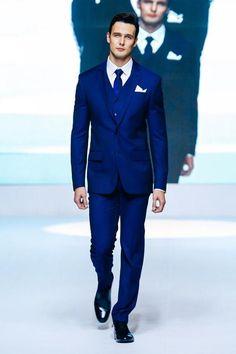 Custom Design Two Buttons Royal Blue Groom Tuxedos Groomsmen Notch Lapel Men Wedding Tuxedos Dinner Prom Suits (Jacket+Pants+Vest+Tie) G1529