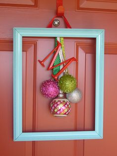 DIY Holiday Door Decoration - themaddoxfamily.net