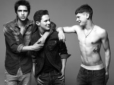 Luke Pasqualino, Ollie Barbieri and Jack O'Connell of the British television show, Skins pose for Kai Z. Styled by Clare Richardson, the guys are wearing… Movies And Series, Movies And Tv Shows, Series 4, Skins Generation 2, Vman Magazine, Cook Skins, Skin Aesthetics, Brooklyn 9 9, Jack O'connell