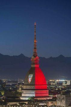 La mole ricorda i 110 anni del Torino Calcio.  3 dicembre 2016
