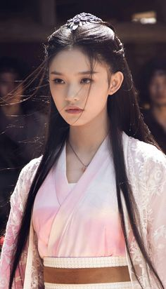 Lin Yun 林允 , also known by her English name Jelly Lin, is a Chinese actress. She is known for her role as the female lead in the 2016 film The Mermaid. Beautiful Asian Women, Beautiful People, Chica Anime Manga, Oriental Fashion, Chinese Actress, Cute Asian Girls, Traditional Outfits, Asian Beauty, Asian Woman