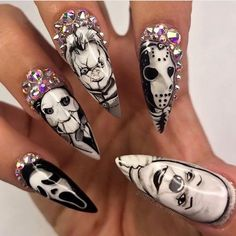 From glow-in-the-dark ghosts to classic candy corns, these Halloween nails will … - Best Nail Art Halloween Acrylic Nails, Cute Halloween Nails, Halloween Nail Designs, Diy Halloween, Halloween Night, Chucky Halloween, Holloween Nails, Halloween Costumes, Glam Nails
